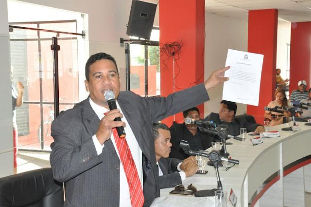 Bomba a caminho: Vereador faz denúncia grave contra a Secretaria de Saúde de Alagoinhas