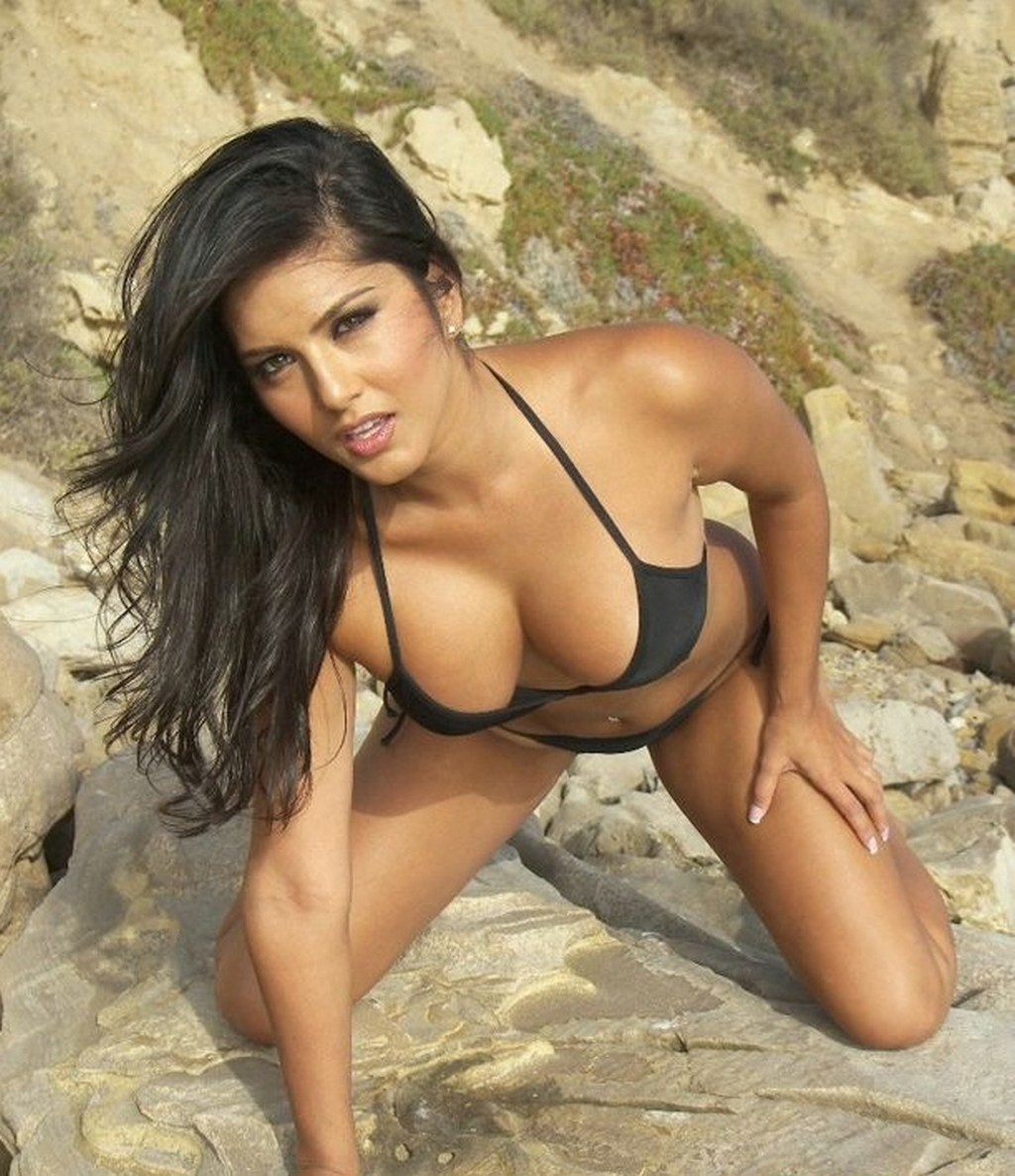Actress Sunny Leone Spicy Black Bikini Images On Beach -4735