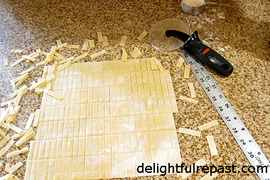 Homemade Handmade Pasta - No machines, just 3 simple ingredients / www.delightfulrepast.com
