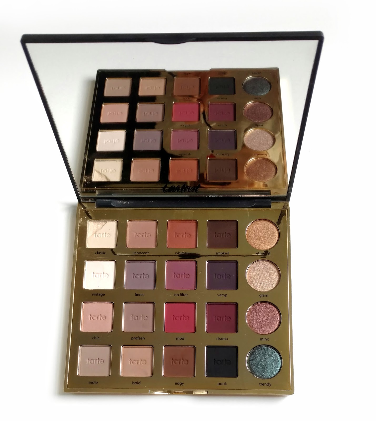 Tarte Tarteist Pro Eyeshadow Palette | Must-Have Eyeshadow Palettes | Makeup Tutorials Guide