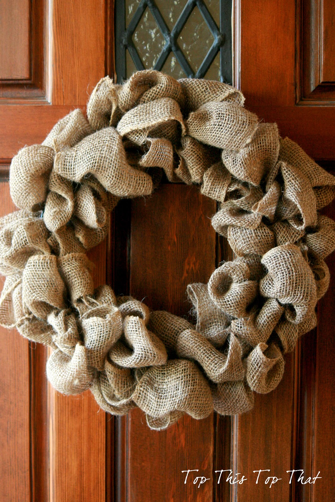 Burlap wreaths have been all the rage for a while now, and they probably will continue to be because: 1) they're cute; 2) they're versatile and can easily be decorated and adapted for different holidays/seasons; and 3) they're super simple to fihideqavicah.gq's honor!
