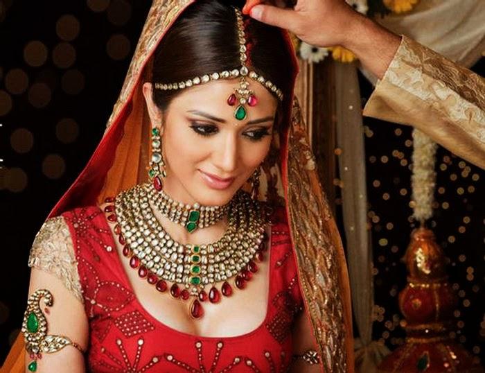 Nnhẫn cưới có ý nghĩa gì (các mẫu nhẫn cưới, nhẫn cưới kim cương, vàng trắng)