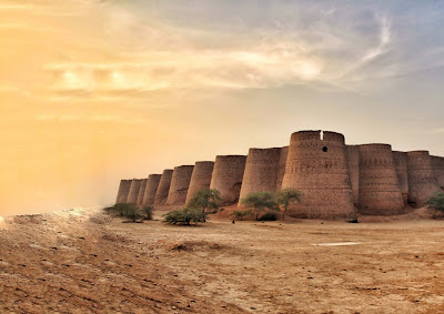 Salman Rashid: Rising from the Sand - The Story of bahawalpur