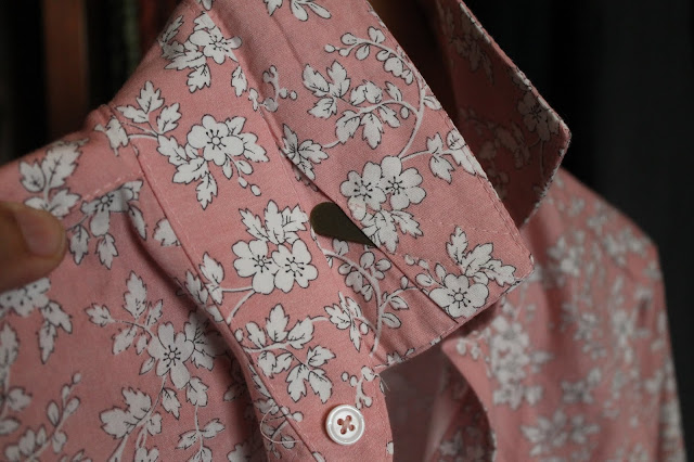 The collar with collar stay on a pink floral shirt sewn from the Liesl and Co. All-Day Shirt sewing pattern
