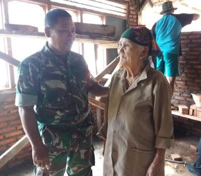 Cerita Haru Mbok Wati Mendapat Bedah Rumah TMMD