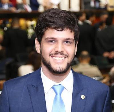 """""""Fortalecer a rede de enfrentamento à violência contra as mulheres é o nosso principal desafio"""", aponta o deputado Rogério Andrade Filho"""