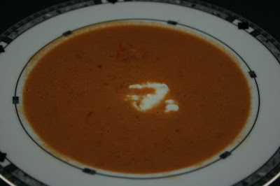 How to make homemade tomato soup from scratch using your crockpot slow cooker.