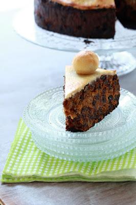 pâte d'amande , cake aux fruits secs , tradition anglaise de Pâques , tea time