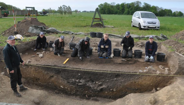 Stone Age 'sun-stones' discovered on Danish Island