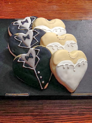 https://www.etsy.com/listing/159480071/wedding-cookies?ref=favs_view_1