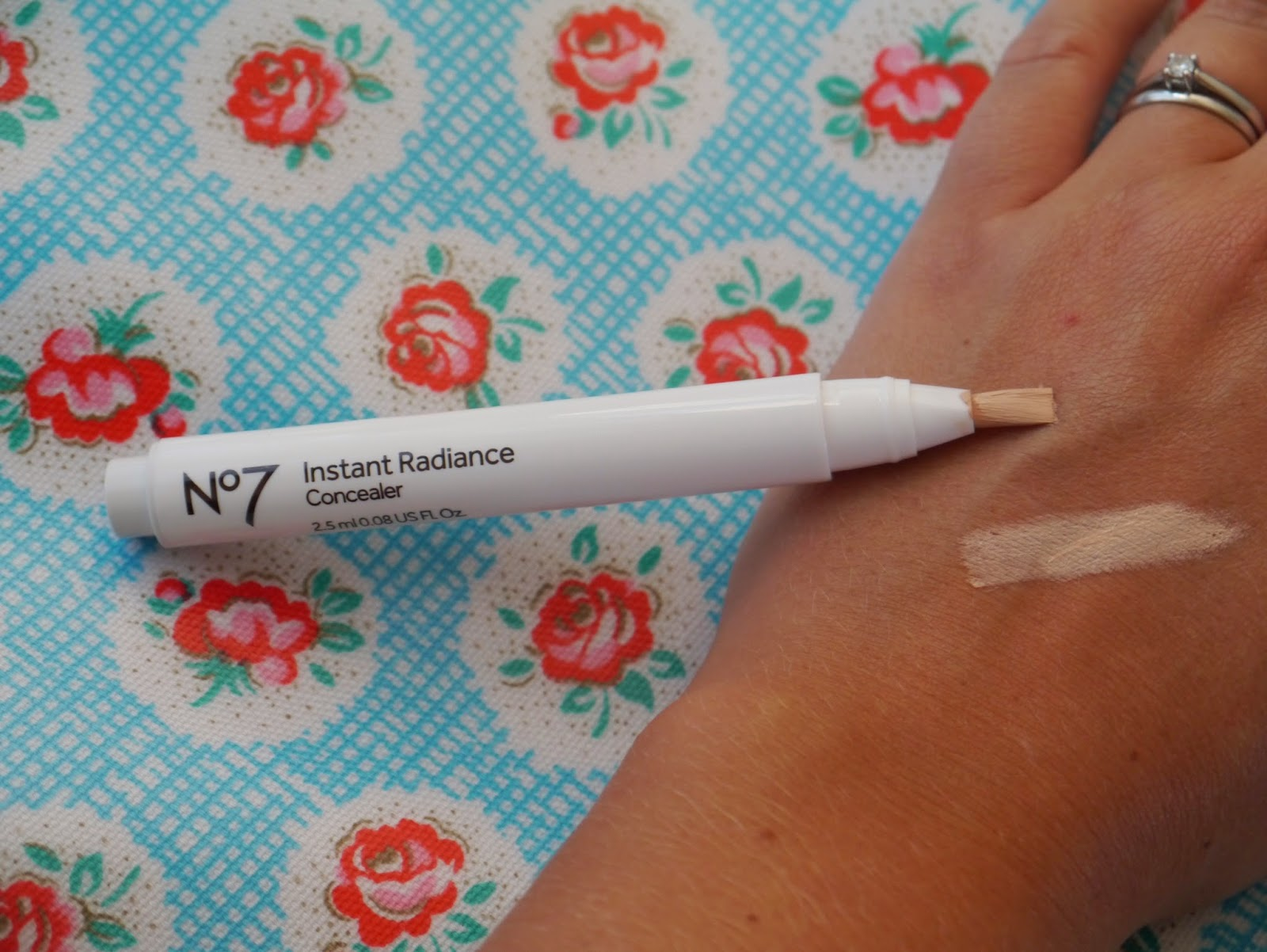 Radiant Glow Concealer by no7 #22