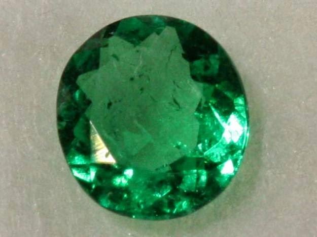 Jenis Batu Permata Yang mengandung Aura  Cincin Batu Giok