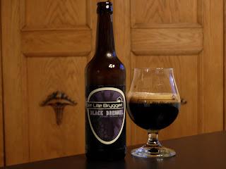 Black Bremmel Brombær Stout fra Det Lille Bryggeri