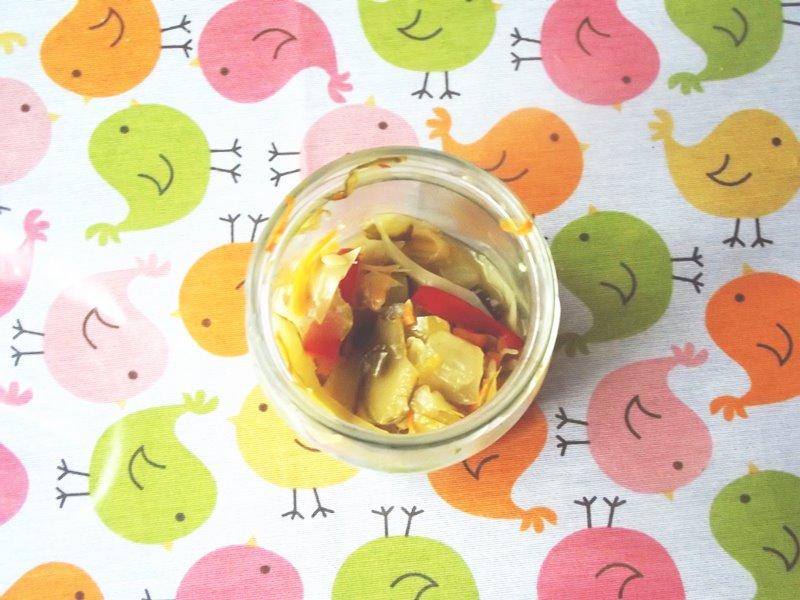 sałatka z białej kapusty i ogórków