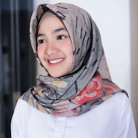 Foto Cut Syifa pakai jilbab hijab kerudung