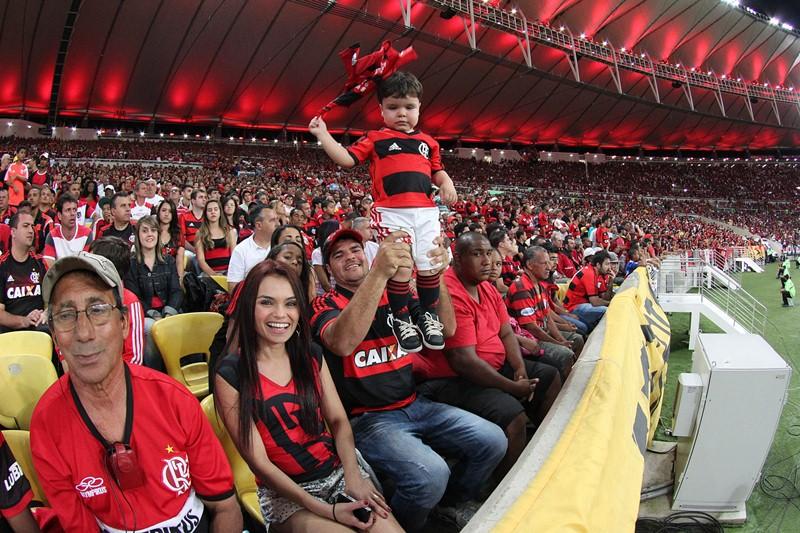 b7eadf962d Governos não devem gastar com estádios - Flamengo Hoje
