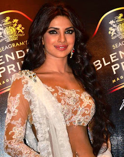 Priyanka-Chopra-in-White-Ghagra-Choli