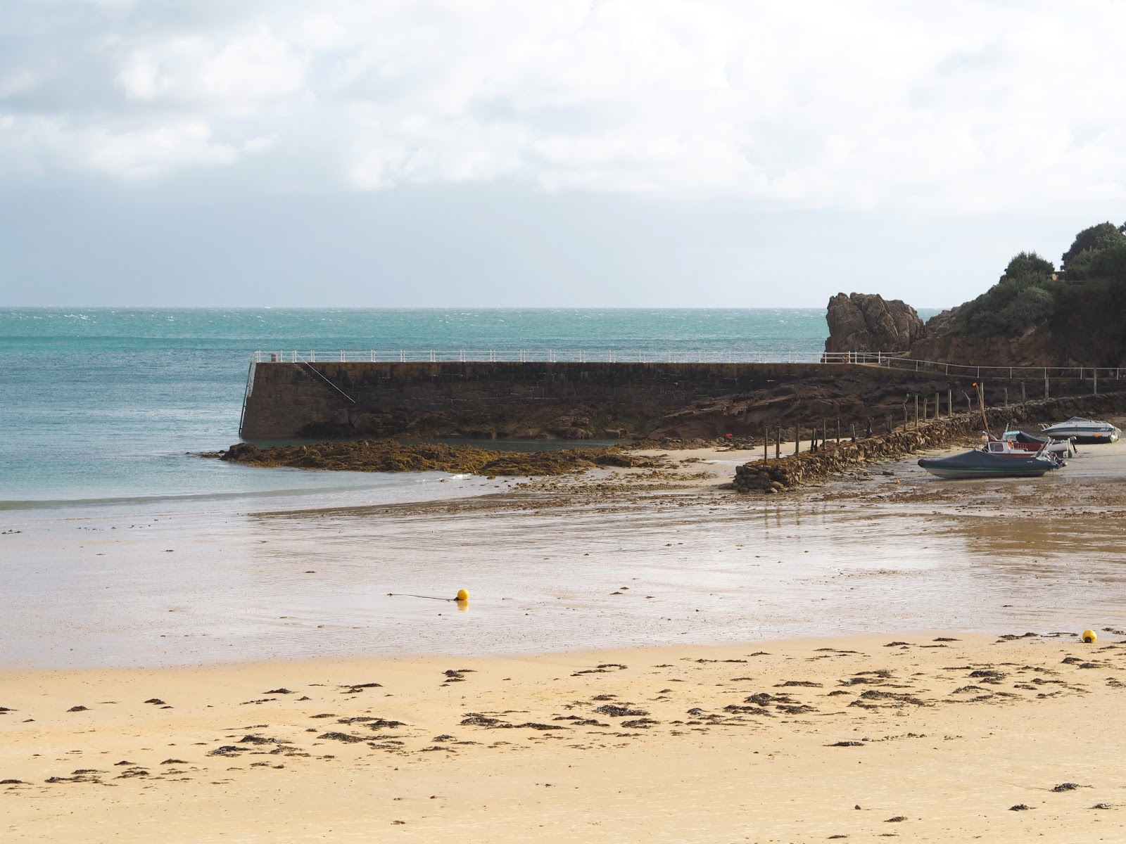 Postcards from St Brelades Bay, Jersey, Channel Islands, Katie Kirk Loves, UK Blogger, Travel Blogger, St Brelades Bay Hotel, #VisitJersey, #TheIslandBreak, UK Travel, Travel Photography, Travel The World, Wanderlust, Women Who Explore, Girls That Wander, Femme Travel