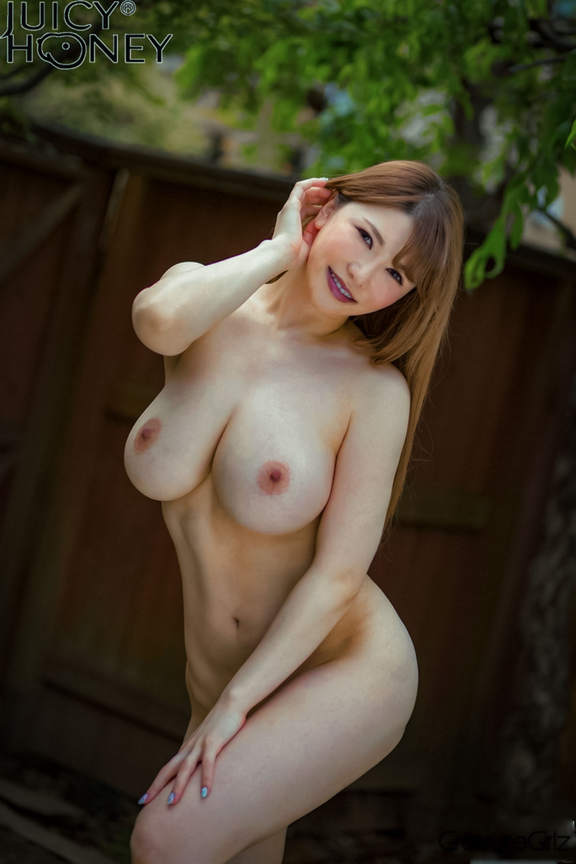 A tiny asian girl who loves anal yh - 3 8