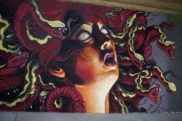 الفن بأى شىء وعلى أى شىء street-art-work-21.j