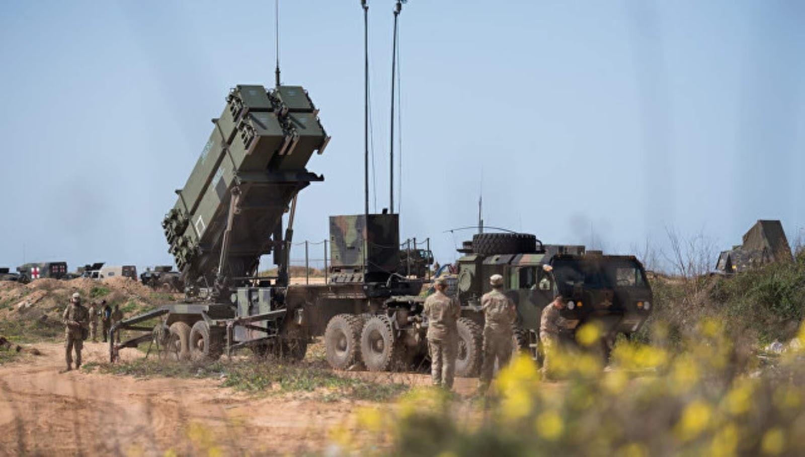 Sistem pertahanan pertahanan udara apa yang dikontrak India dari Israel?