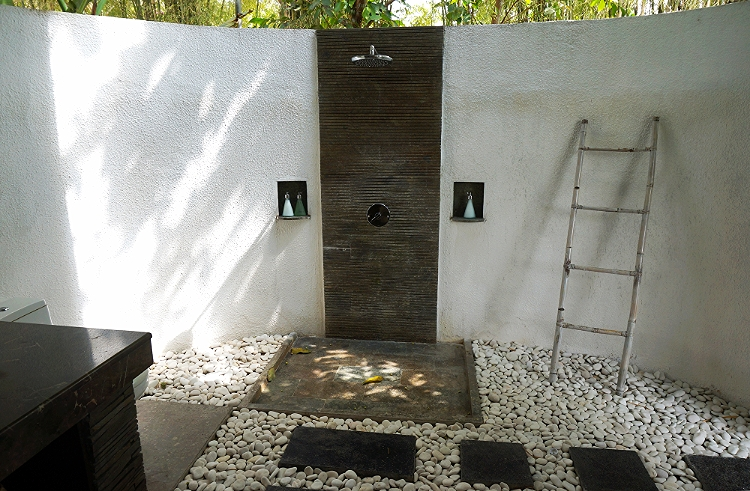 Euriental | travel and fashion | Villa Shamballa outdoor bathroom, Ubud, Bali
