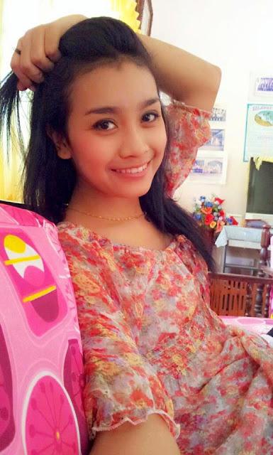 Malay awek tudung baju ketat part 1 - 4 1