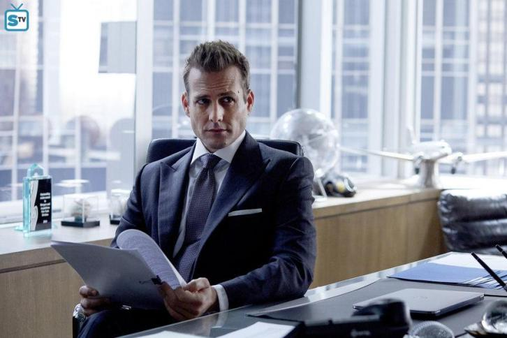 """Suits - """"Teeth, Nose, Teeth"""" - Review: Once a quarter"""