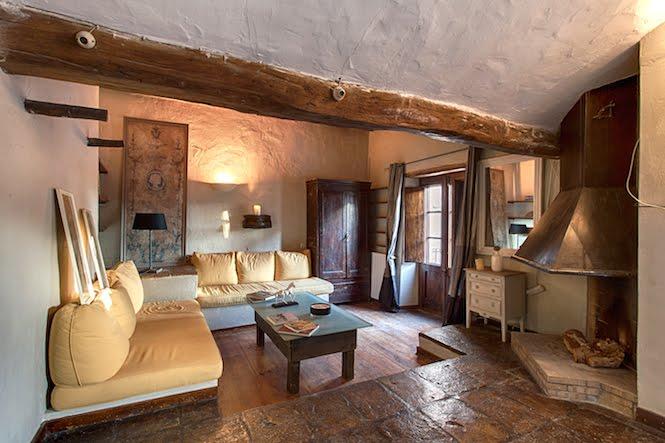 Master bedroom lounge