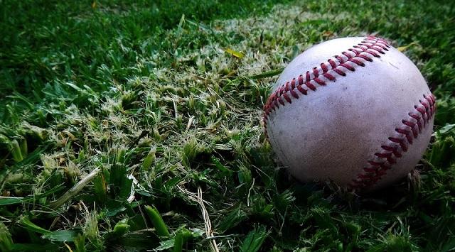 Image: Spalding Baseball, by Ernesto Rodriguez on Pixabay