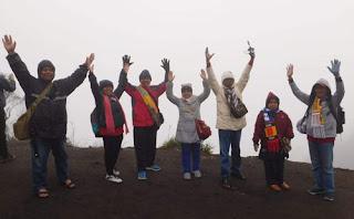 Tim SPMN 16 Malang di Bukit Kingkong Gunung Bromo