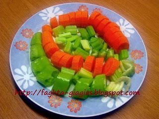 Κουνουπίδι τουρσί με καρότα σέλινο και πιπεριές - από «Τα φαγητά της γιαγιάς»