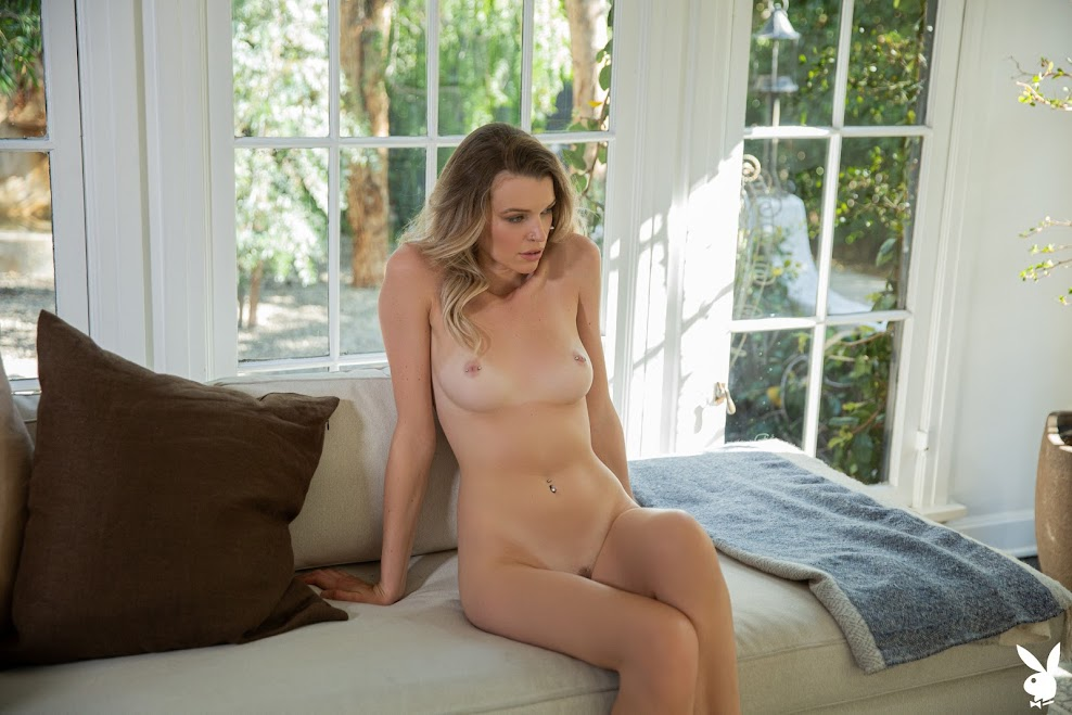 [Playboy Plus] Brooke Lorraine - Simple Moments