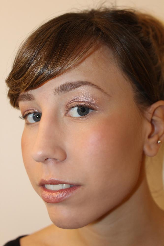 Consigue un Maquillaje Nude en solo 6 pasos.   El tocador