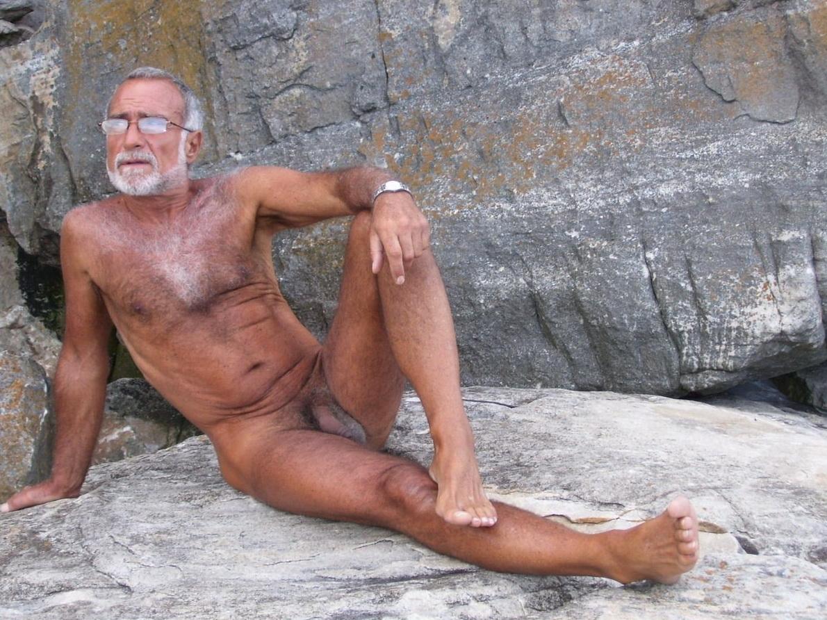 Men Naked Outside-9664
