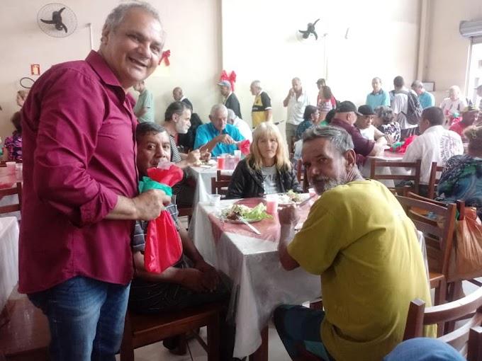 Restaurante Popular de Cachoeirinha teve almoço especial de Natal
