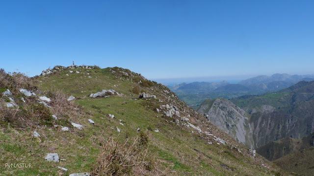 Pico Torre - Sierra de Pesquerín - Asturias