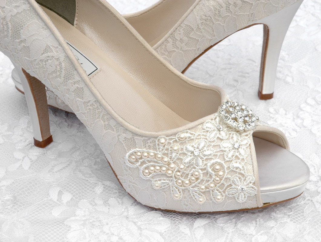 Craftsfrenzy: ~Sexy Bridal Shoes-Lace~
