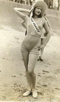 fotos viintage, Miss Francia en la playa