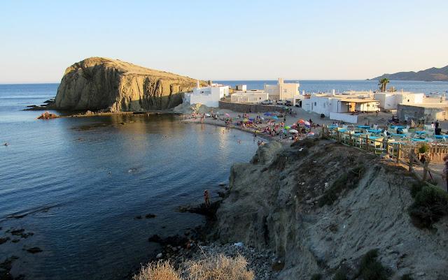 La Isleta. Pueblo blanco de la Isleta en Cabo de Gata