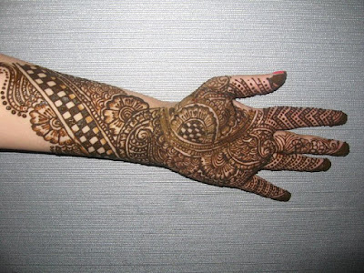 beautiful-and-easy-mehndi-designs-for-hands