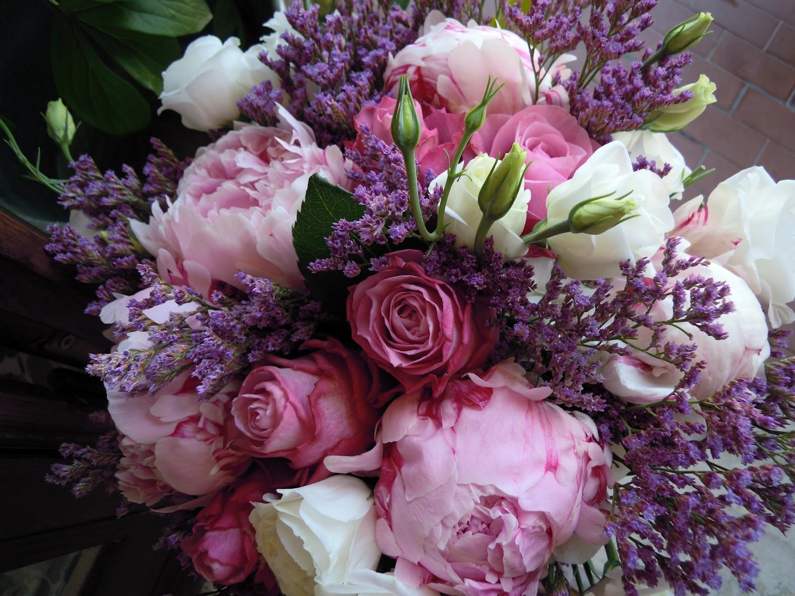 Fiori Del Mese Di Giugno fiore del mese di giugno: peonia idee bouquet | la bottega