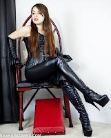 http://www.vampirebeauties.com/2015/08/vampire-model-sasha-mizaree.html