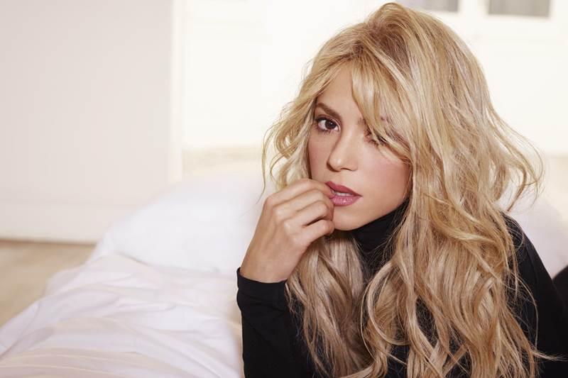 Temos que riscar o nome de Shakira da lista de atrações ao vivo do American Music Awards 2016 e do Grammy Latino.
