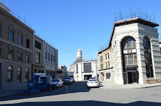 Calle dentro de los estudios Warner