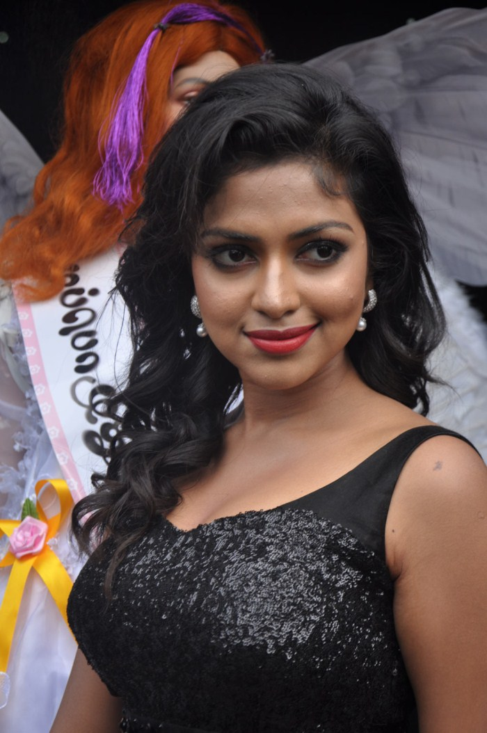 amala paul sexy hot pics