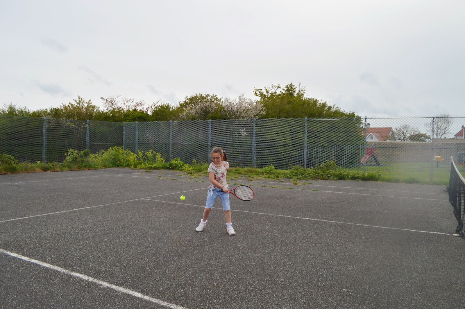 , Anyone for a FREE  Family Tennis Lesson?