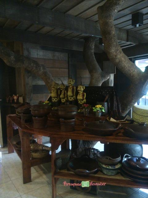 cafe rumah pohon di medan