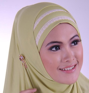 Cara Memakai model Jilbab Untuk Wajah Bulat