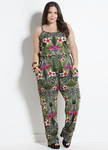 Macacão Mix Floral com Bolsos Plus Size